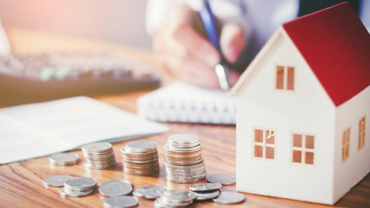 Pese a caída de tasas hipotecarias cae venta de viviendas en enero